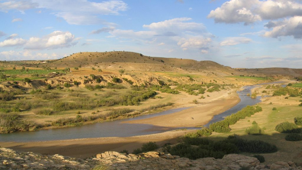 TN – Valley of the Nebhana river in central Tunisia